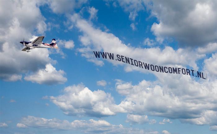 seniorwooncomfort_banner achter vliegtuig_zeist